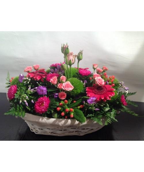 Nacimiento bandeja floral mimbre variada