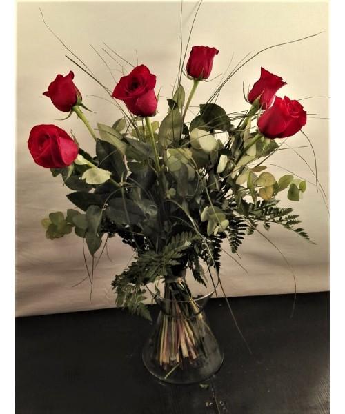 Rosas ramo 6 rosas rojas en búcaro
