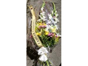 Ramo funeral variado con gladiolo