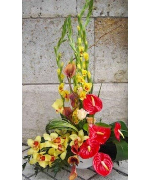 Centro decorativo anthurium, gladiolo, orquideas, calas y rosas