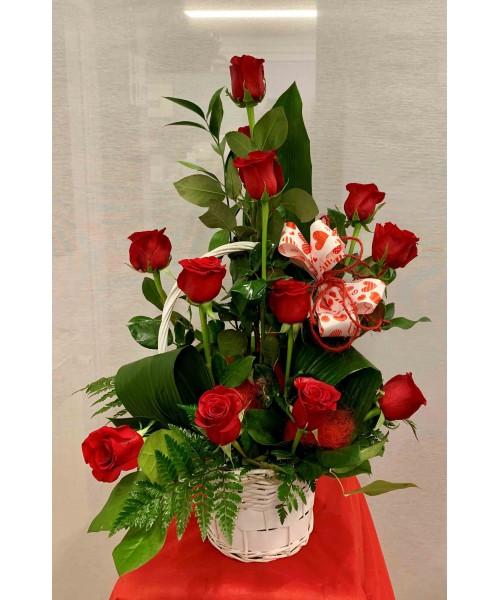 Amor con Rosas en  canastilla