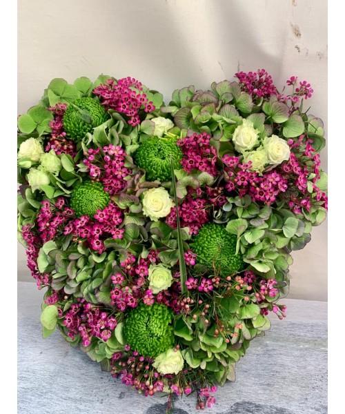 Corazon hortensia y rosas