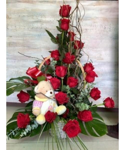 Nacimiento centro 24 rosas y muñeco