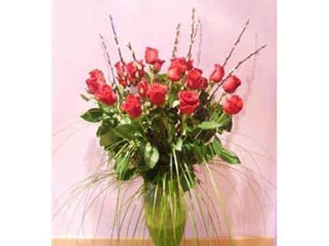 Ramo 24 rosas en jarrón de vidrio